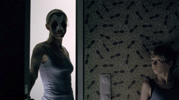 goodnight-mommy-Veronika-Franz-2-600x337